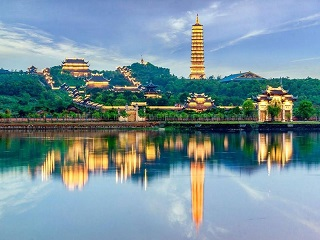 1-Day Bai Dinh Pagoda and Trang An Luxury Tour from Hanoi