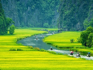 1-Day Hoa Lu, Mua Cave and Tam Coc Luxury Tour from Hanoi