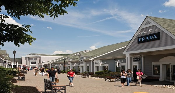 Woodbury Common Premium Outlets Day Tours