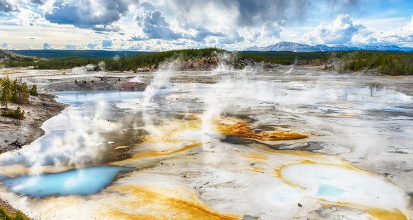 Yellowstone Vacation Packages - Up to 25% OFF