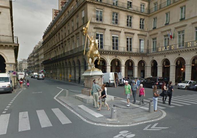 Bus Stop 2 Rue Des Pyramides Paris 148804